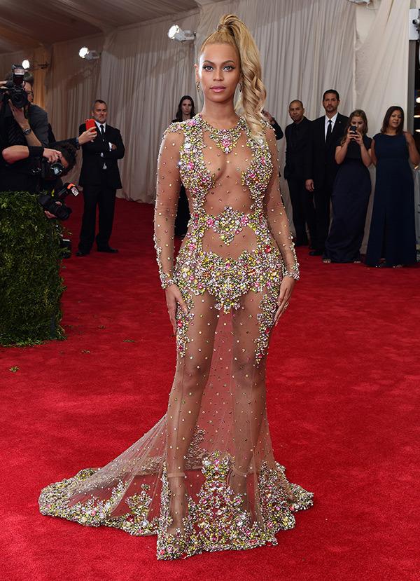 Beyonce - MET GALA 2015 RED CARPET