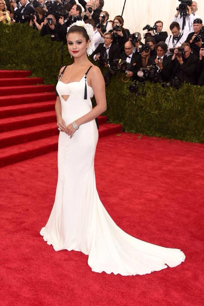 Selena Gomez - MET GALA 2015 RED CARPET