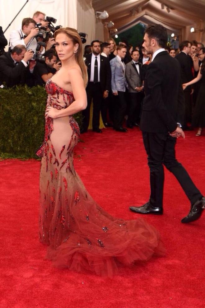 Jennifer Lopez MET GALA 2015 RED CARPET